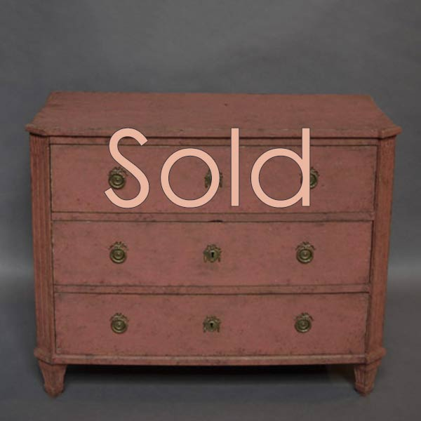 Period Gustavian chest of drawers in salmon paint