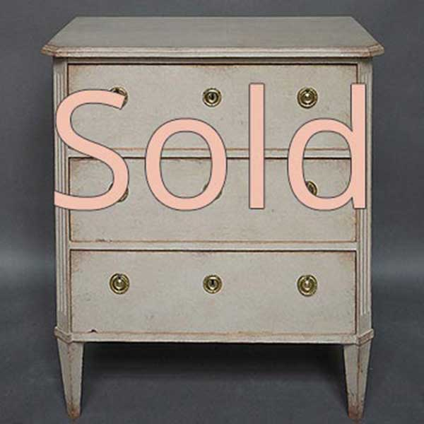 Swedish chest of drawers in the Gustavian style, circa 1900