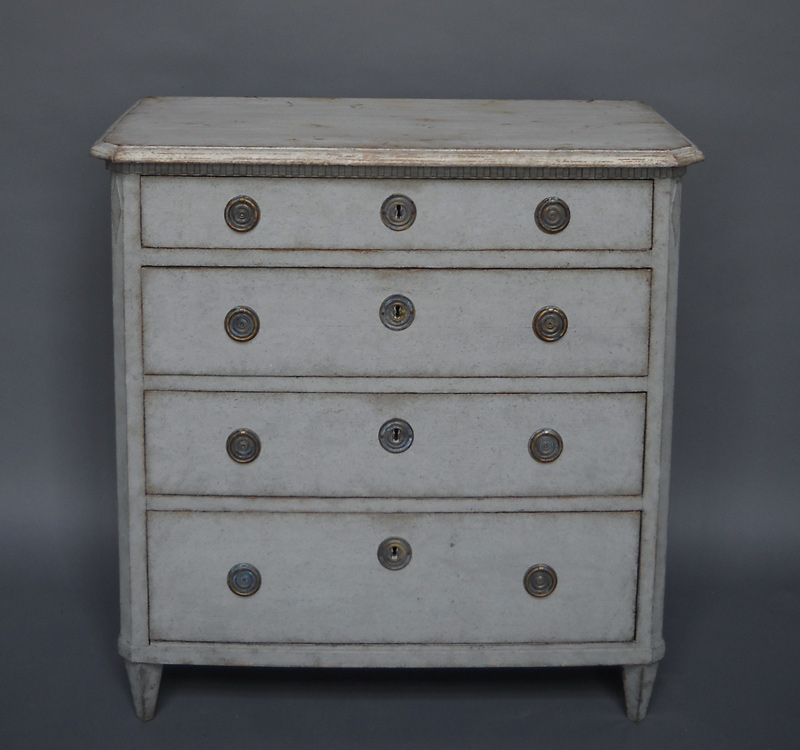 Antique Swedish Chest of Drawers in the Gustavian Style - 21-13 Cupboards & Roses Swedish Antiques