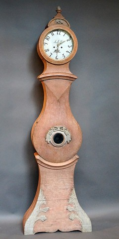Mora Clock in Original Salmon Paint