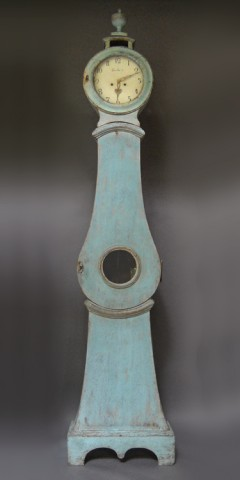 Blue Mora Clock with Urn
