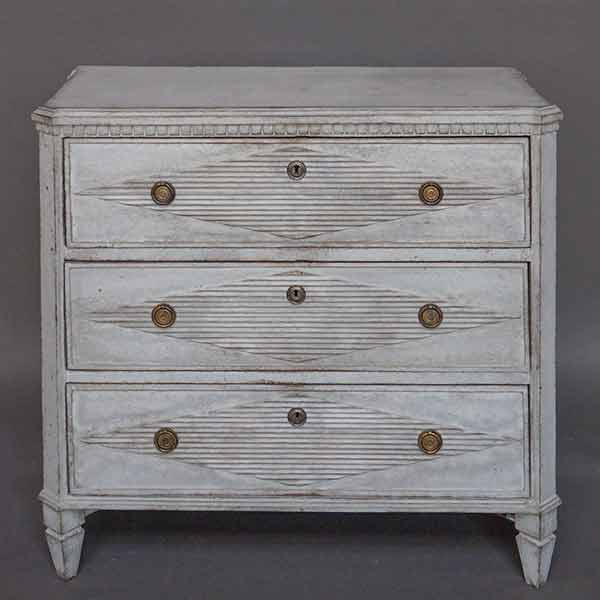 Swedish chest of drawers in the Gustavian style, circa 1850.