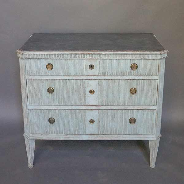 Gustavian Style Chest of Drawers with Worn Black Top