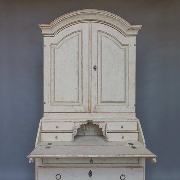 Gustavian Secretary with Library
