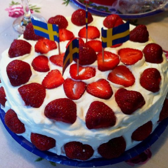 Midsummer Strawberry Cake