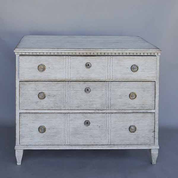 Swedish Chest with Reeded Drawers