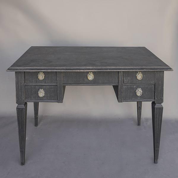 Kneehole Desk in the Gustavian Style