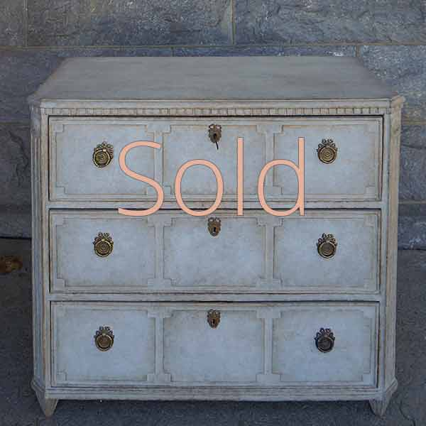 Beautifully Detailed Neoclassical Chest of Drawers