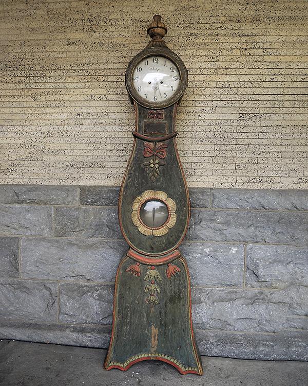 Beautifully Painted Clock from Hälsingland