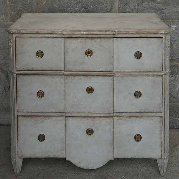 Neoclassical Style Swedish Commode